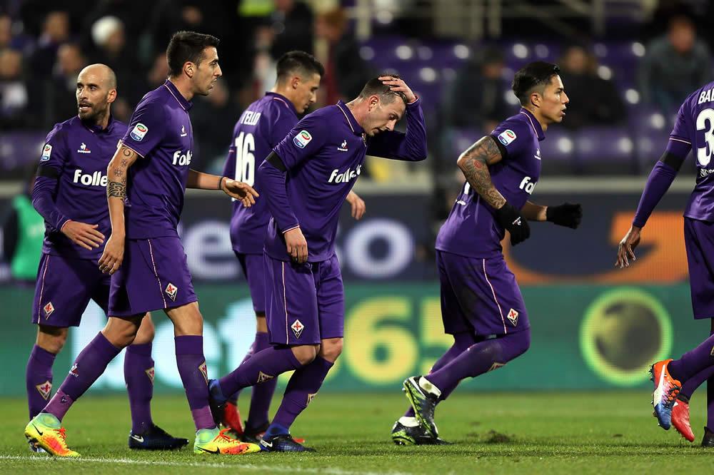 Con Salcedo como titular, la Fiorentina ganó 2-1 al Palermo ...