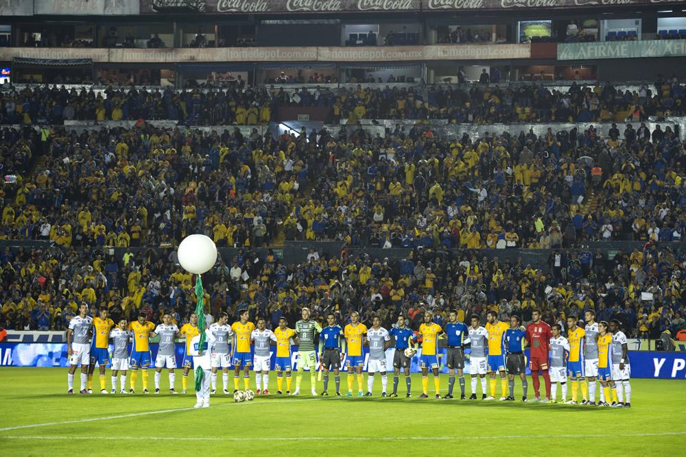 Tigres rindió homenaje al Chapecoense