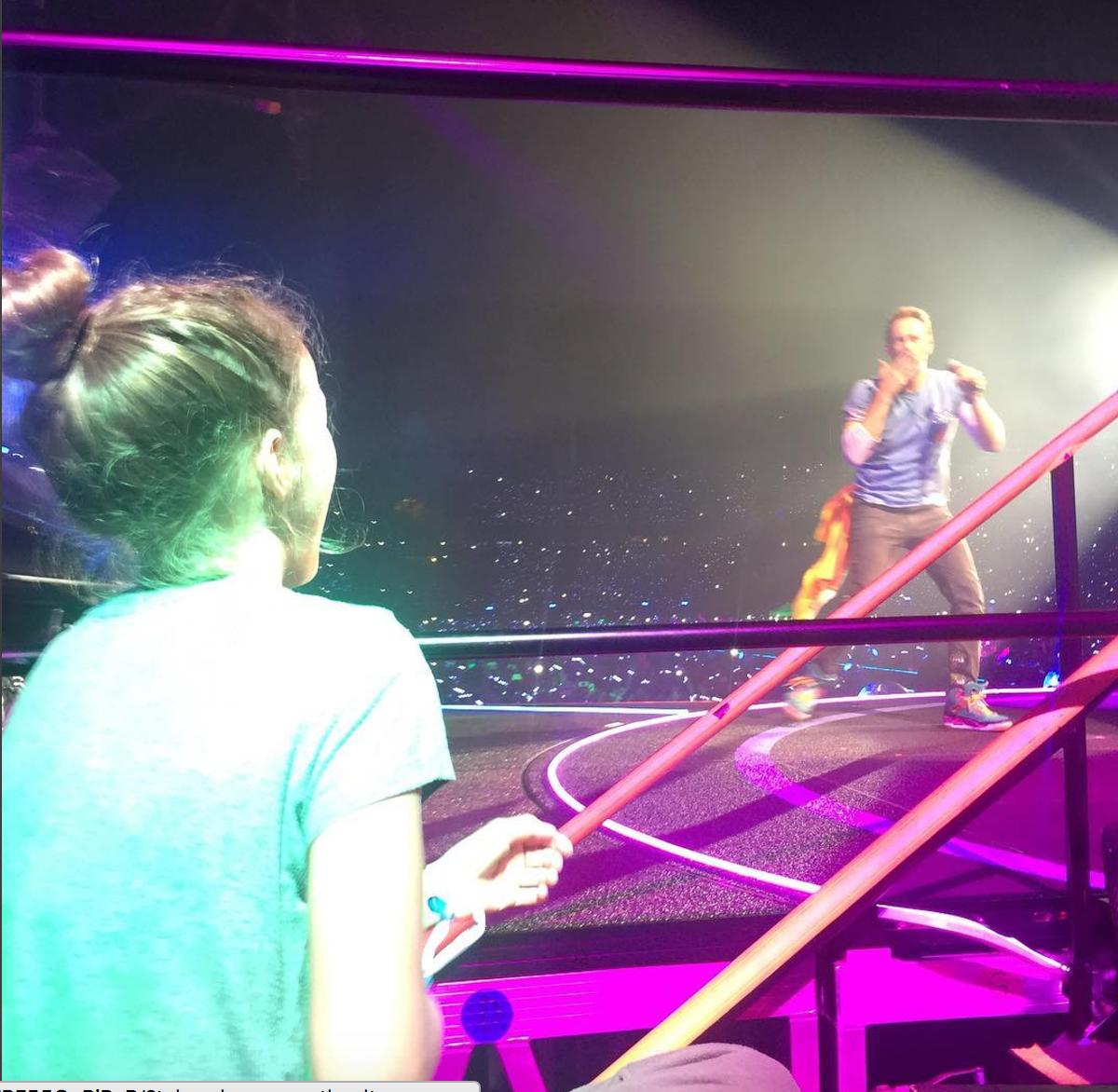 Si eres fan de Chris Martin, de Coldplay, tienes que escuchar a su hija cantar