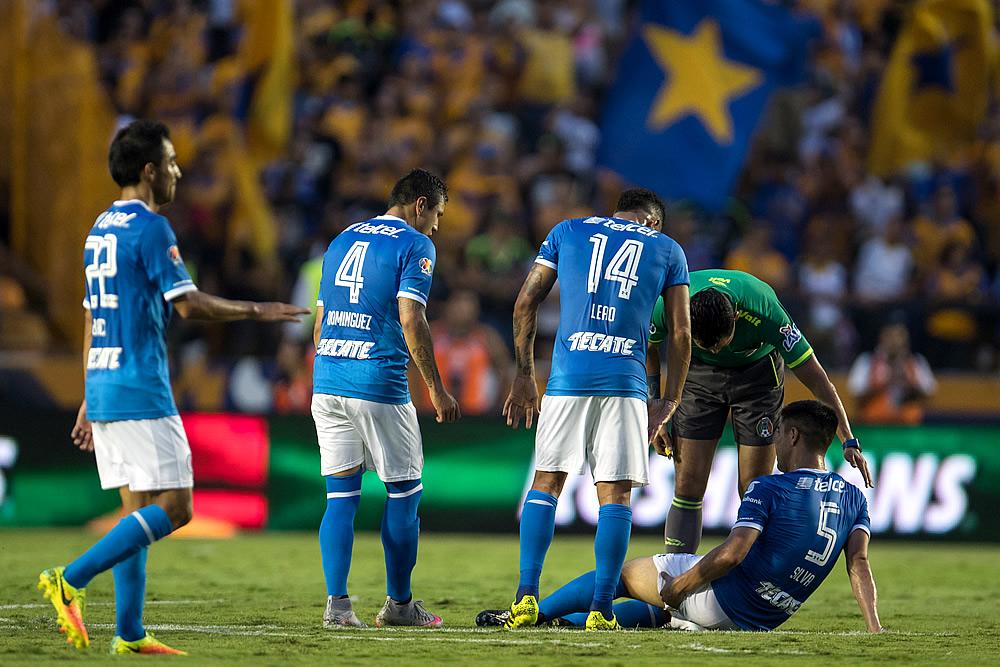 Gato Silva causaría baja tres semanas por lesión