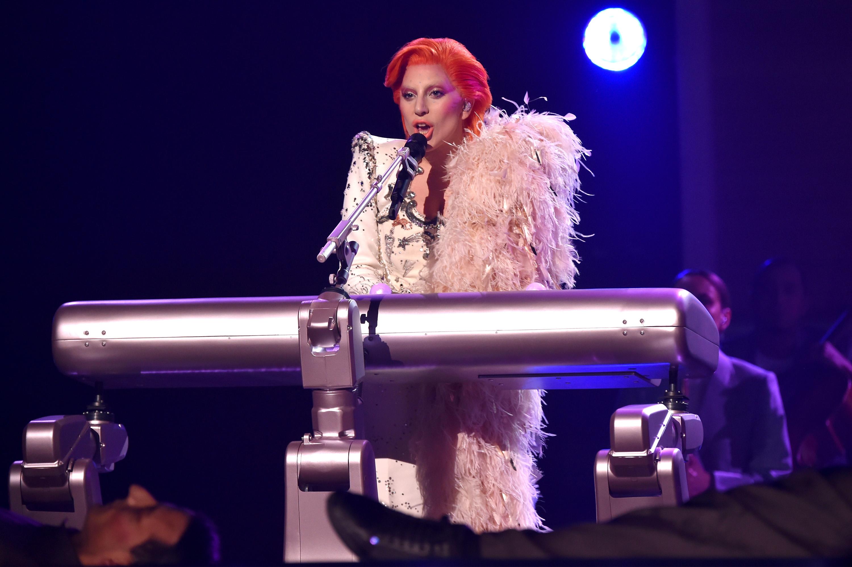 Oficial: Lady Gaga cantará en el Super Bowl LI