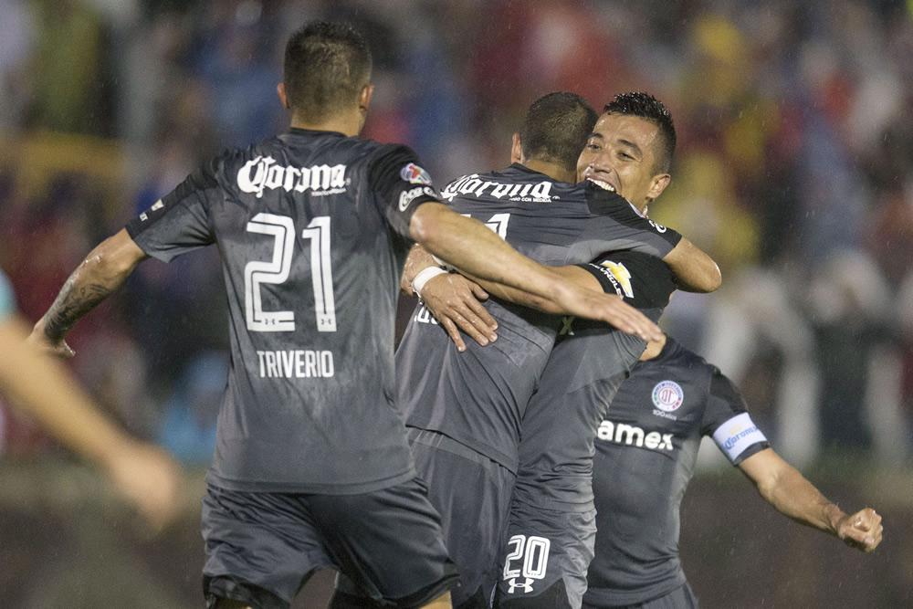 Con 'carrusel de goles', Toluca avanza a cuartos de Copa MX