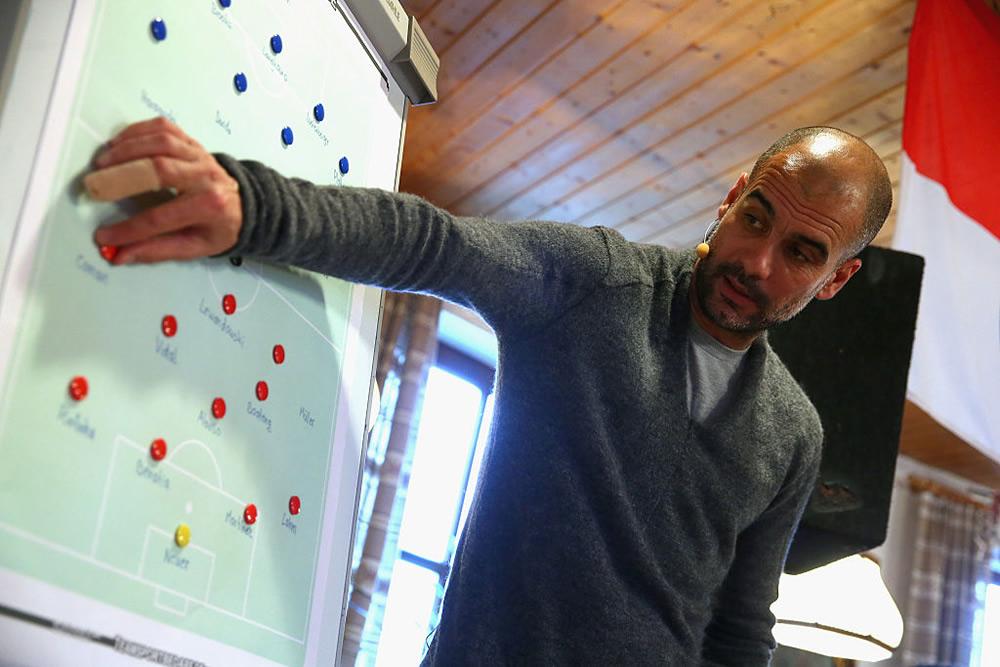 Guardiola defendió su estilo de juego con el City