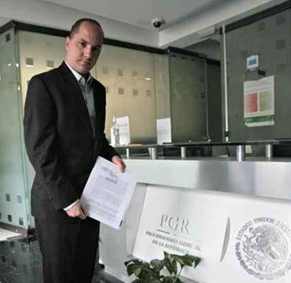El PAN formaliza denuncia contra el PRI por uso de Prospera en Veracruz