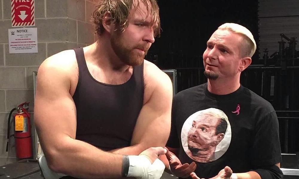 James Ellsworth le costó la victoria a Dean Ambrose