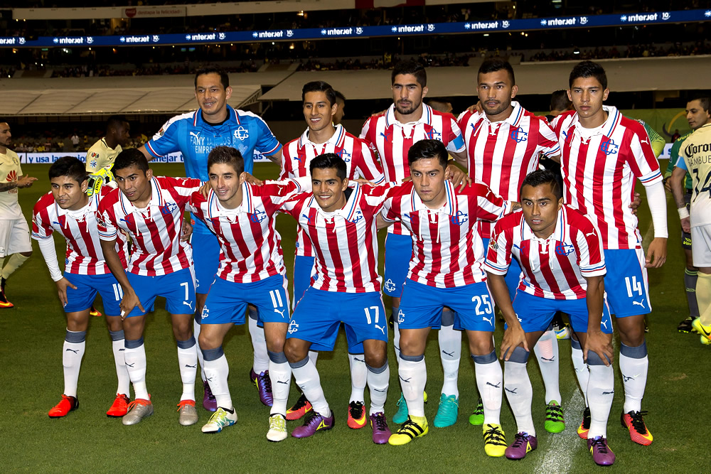 Chivas viajó con artillería completa para clásico ante América
