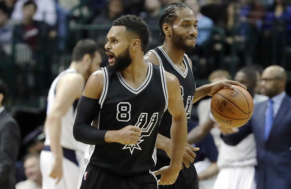 Spurs mantienen invicto como visitantes y acechan récord NBA
