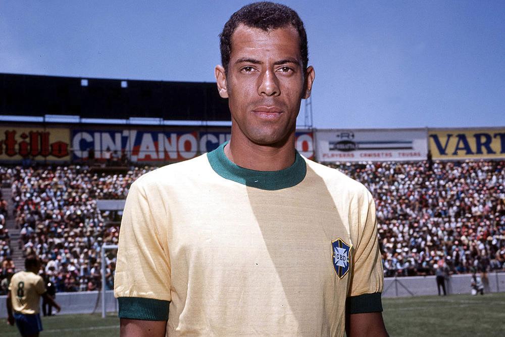 Murió Carlos Alberto, legendario capitán de Brasil