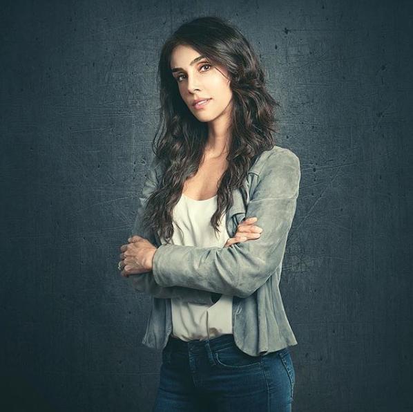 Sandra Echeverría presume sexys y marcados abs