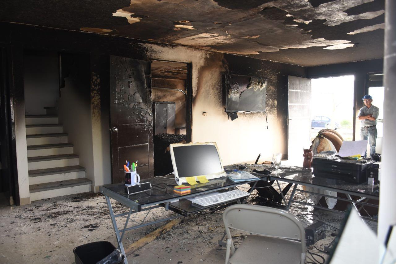 encapuchados incendian oficina dirigente estatal pan veracruz