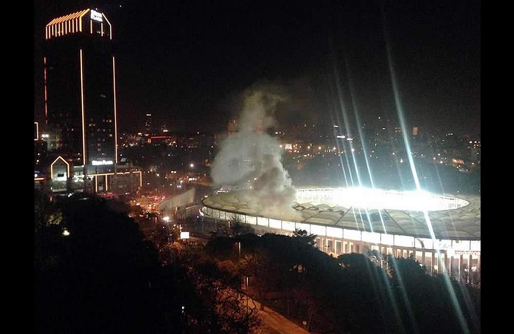 Coche bomba explotó afuera del estadio del Besiktas