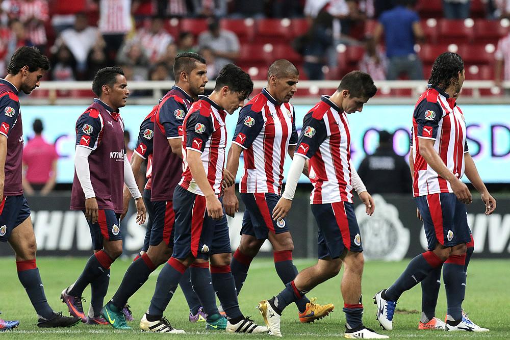 Pachuca frenó a Chivas con una genialidad de Urretaviscaya