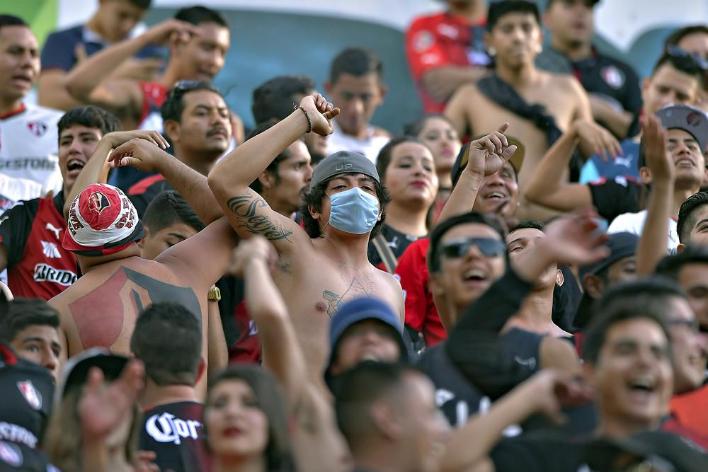 Bronca entre fanáticos de Atlas y policías en estadio de Xolos