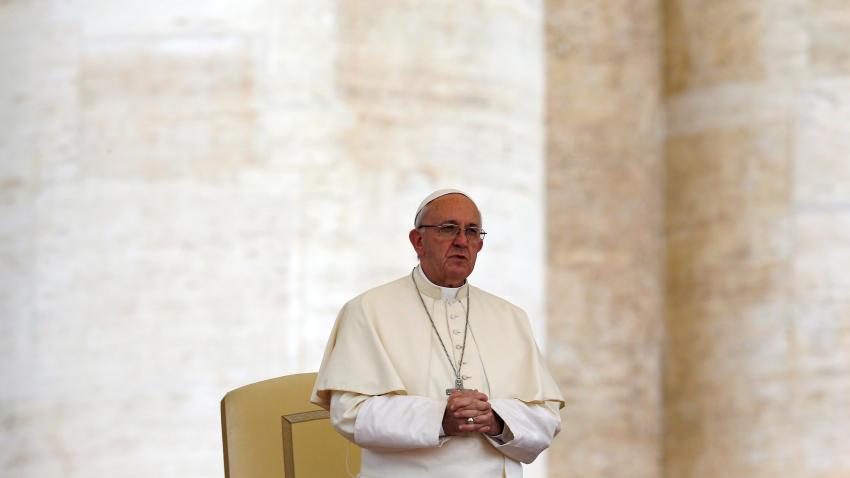 La Iglesia Católica prohíbe esparcir cenizas de los muertos o tenerlas en casa