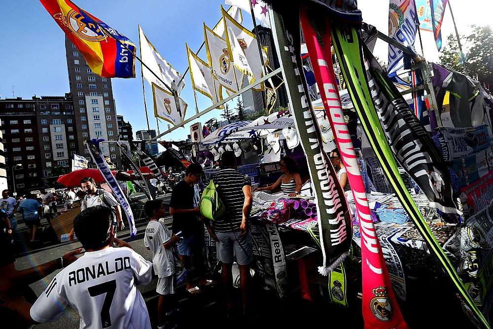 FIFA multó a la Federación Española por fichajes de menores