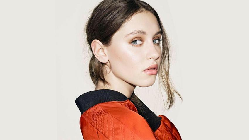 La hija de Jude Law y Sadie Frost comienza su carrera como modelo