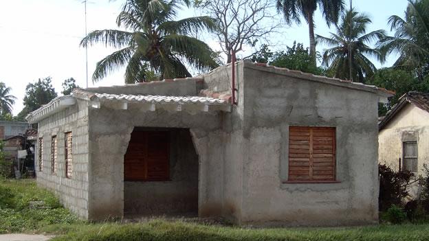 Las casas ecol gicas en cuba dan techo y orgullo a sus - Materiales de construccion baratos ...