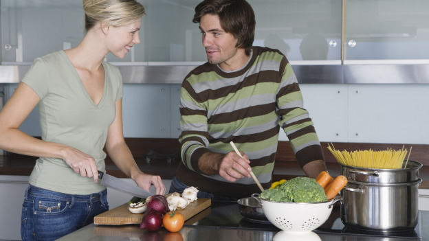 Food 101 buscando pistas en la cocina expansi n for Cocinar para 20 personas