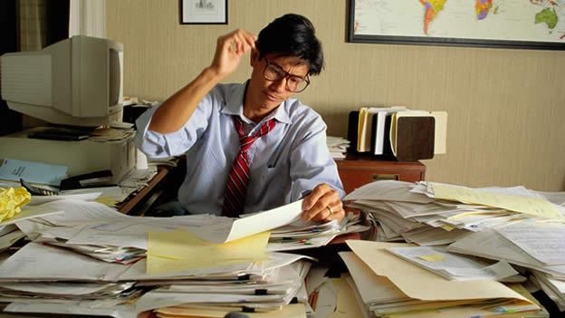 Los trabajos sedentarios aumentan el riesgo a padecer for Empleo limpieza oficinas