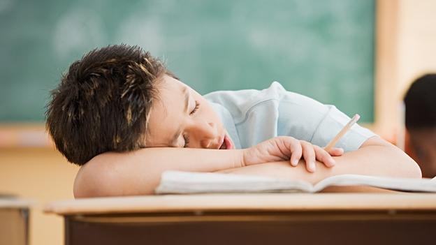 El adolescente dormido puede dormir uno
