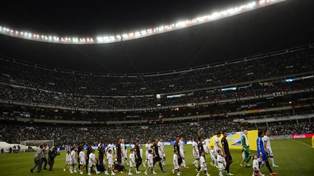 Resultado de imagen de estadio azteca seleccion mexico