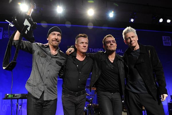 U2 se 39 une 39 a espect culo del medio tiempo en el super for Noticias mas recientes del medio del espectaculo