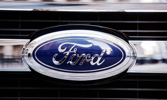 Ford amplía llamado a revisión a 2.3 millones de autos en Norteamérica
