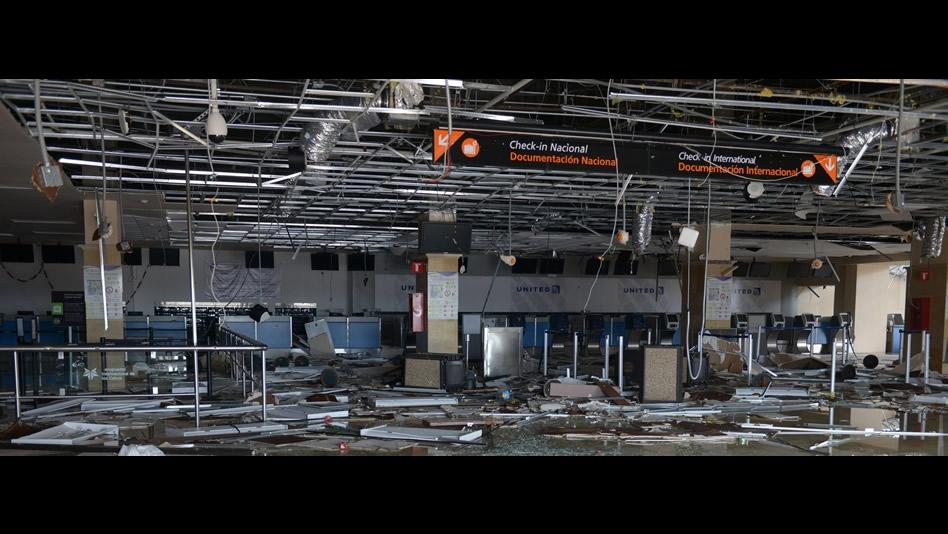 La muralla del hurac n 39 odile 39 impacta a la pen nsula baja - Aeropuerto de los cabos mexico ...