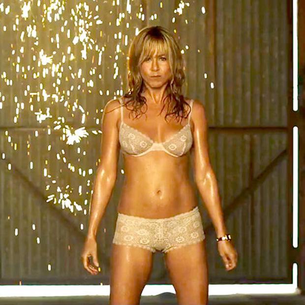 Jennifer aniston desnuda en los amigos